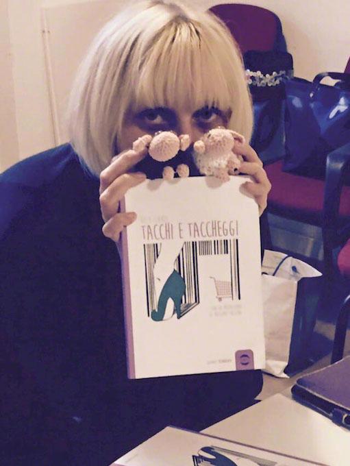 Margherita bratti viacalimala art room Eccellenza Artigiana Torino Piemonte libri letti ai ferri